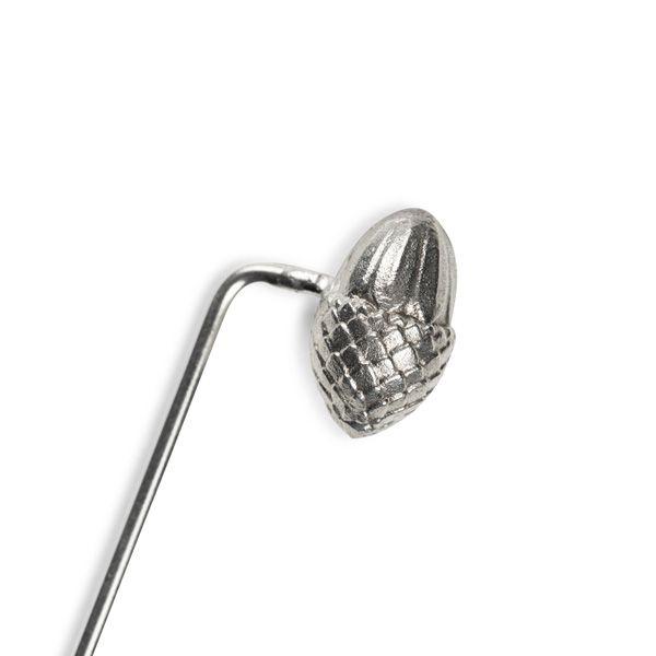 Love Scarlet, Silver Acorn Pin Badge