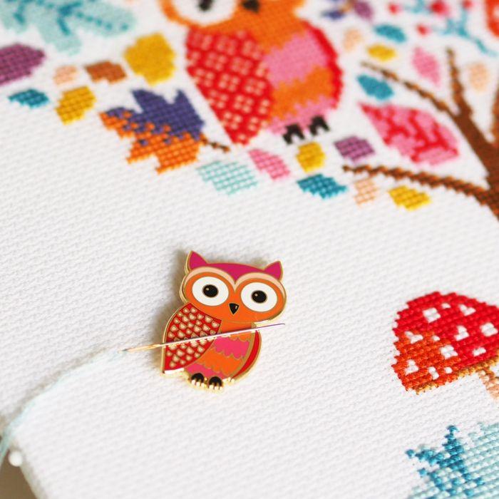 Owl Magnetic Needle Minder